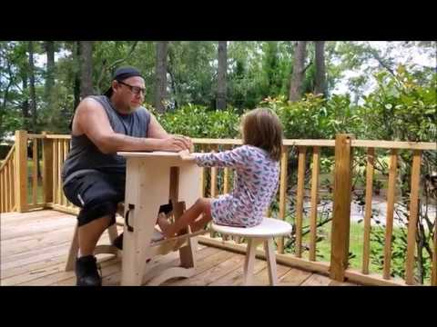 DIY – Folding Table for Two | Woodworking Project | Izzy Swan
