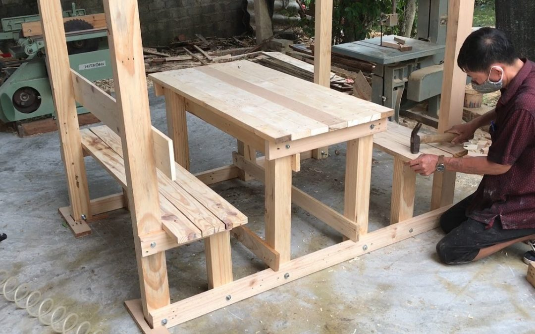 Woodworking Project Inspired By Old Pallets // How To Make Outdoor Cafe Tables Easily Modern – DIY!
