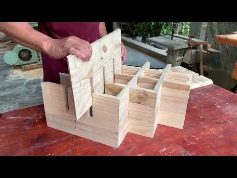 Awesome DIY Pallet Wood Project // How To Make A Beautiful Modern Style Wall Wine Shelf